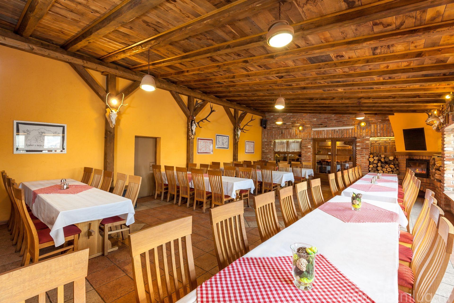 Zlatni Lug Restoran Krcma006