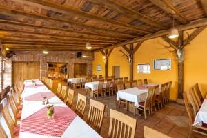 Zlatni Lug Restoran Krcma003