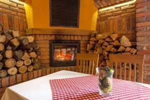 Zlatni Lug Restoran Krcma004